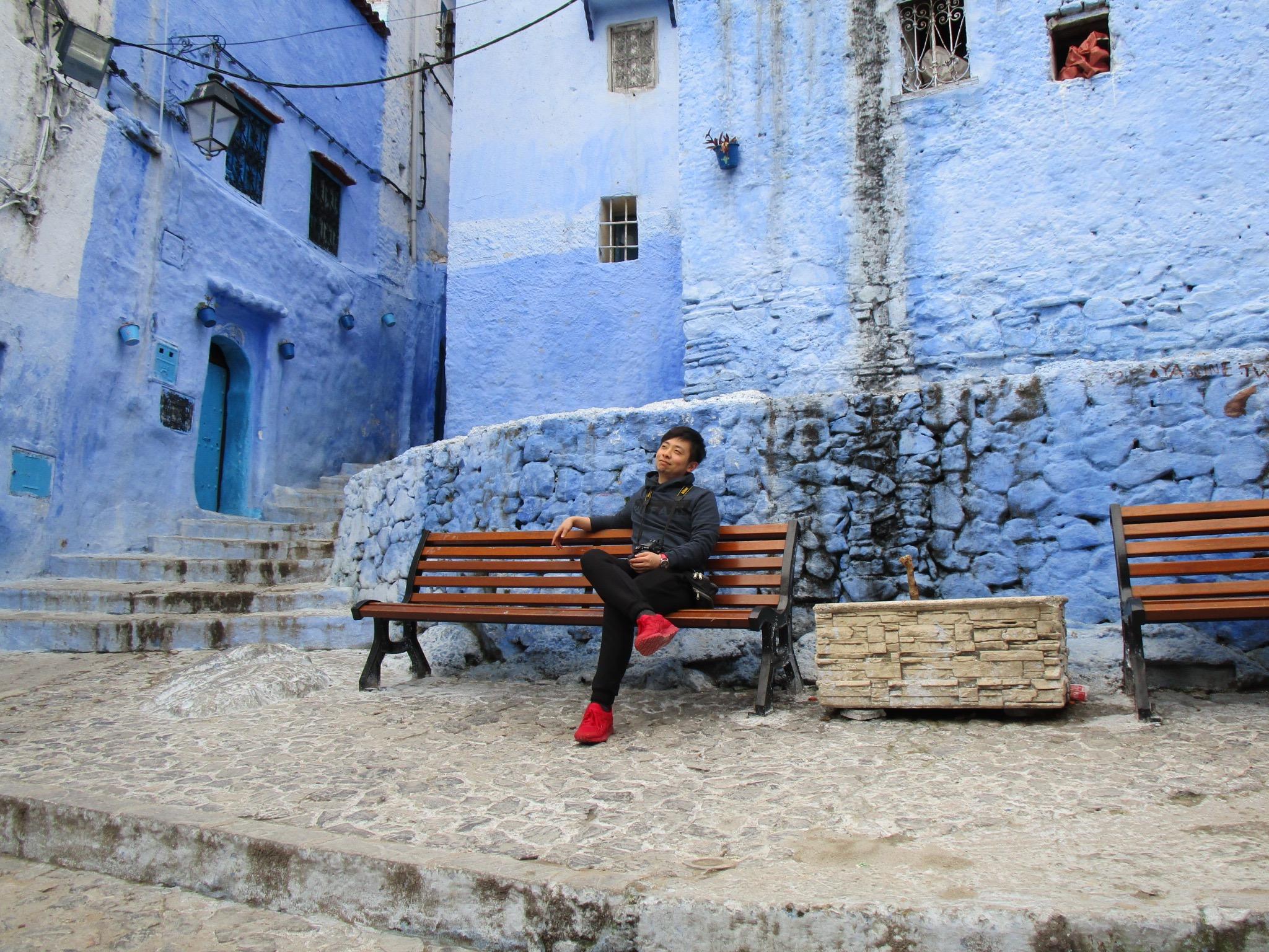 sitting-bluebench